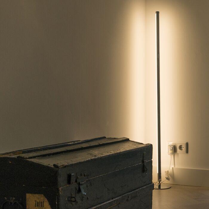 Moderne-Stehleuchte-LED-chrom---Line-up